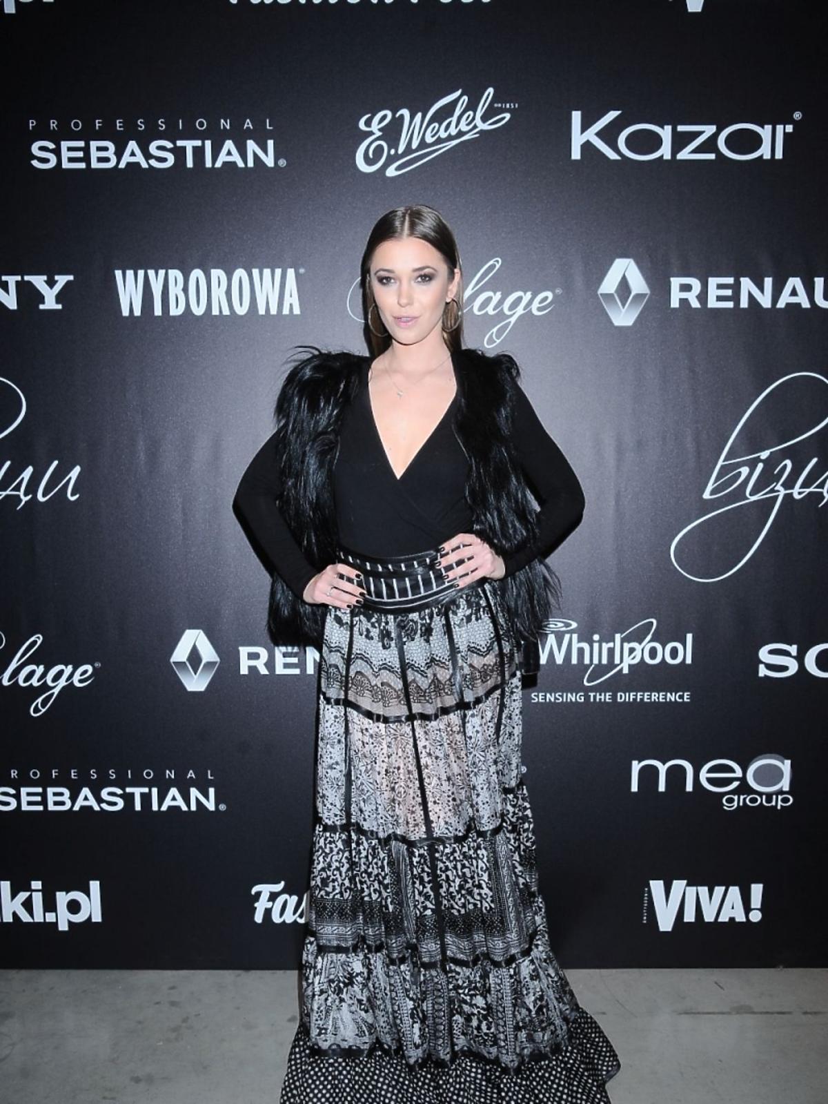 Agnieszka Wesołowska w długiej sukni