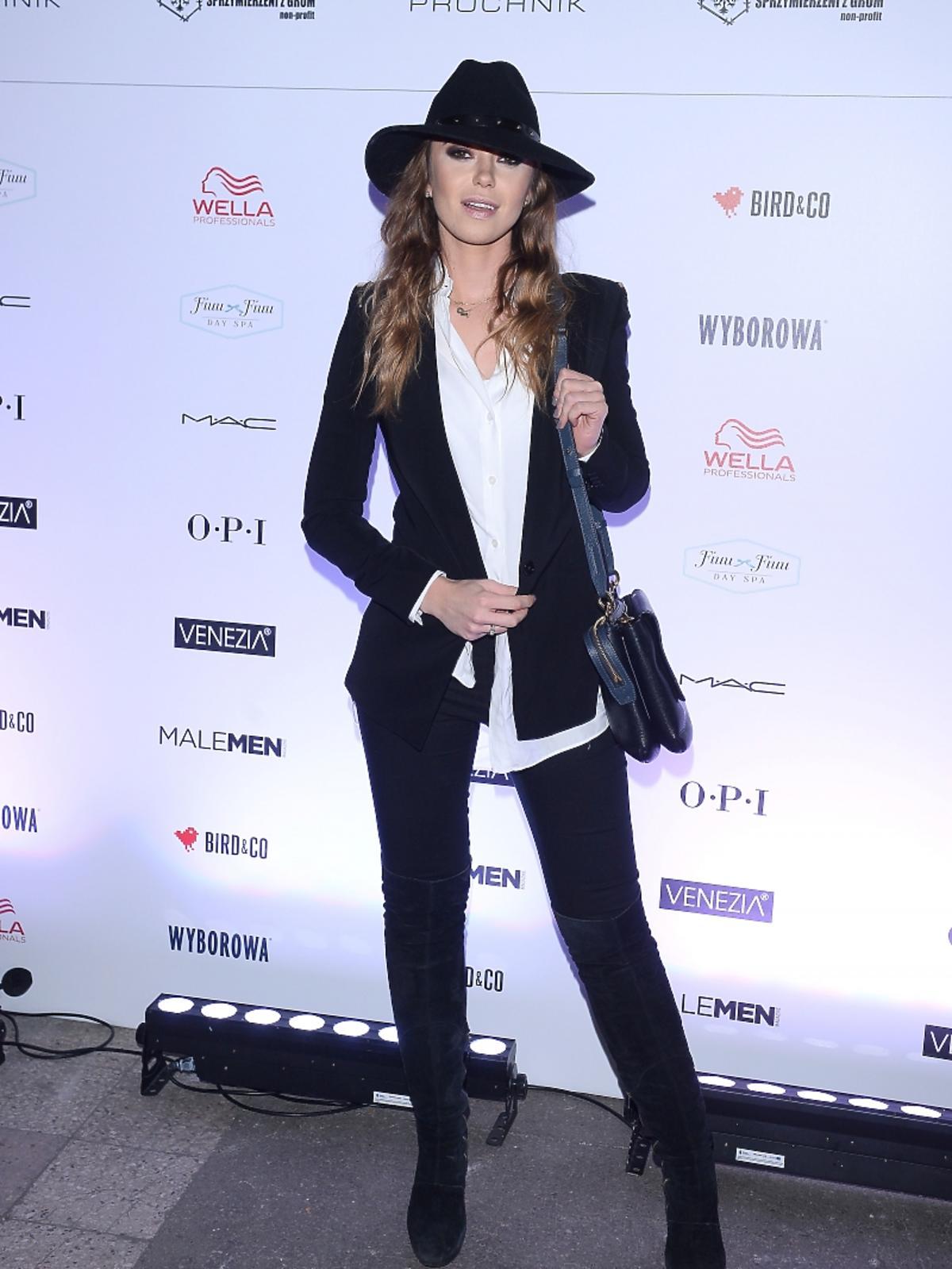 Agnieszka Wesołowska w kapeluszu