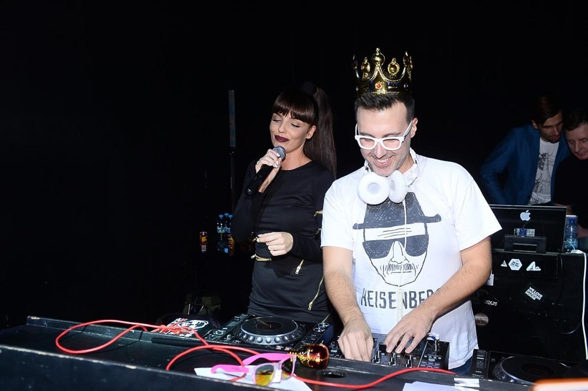 Agnieszka Włodarczyk, DJ Adamus