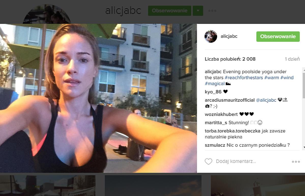 Alicja Bachleda Curuś ćwiczy jogę