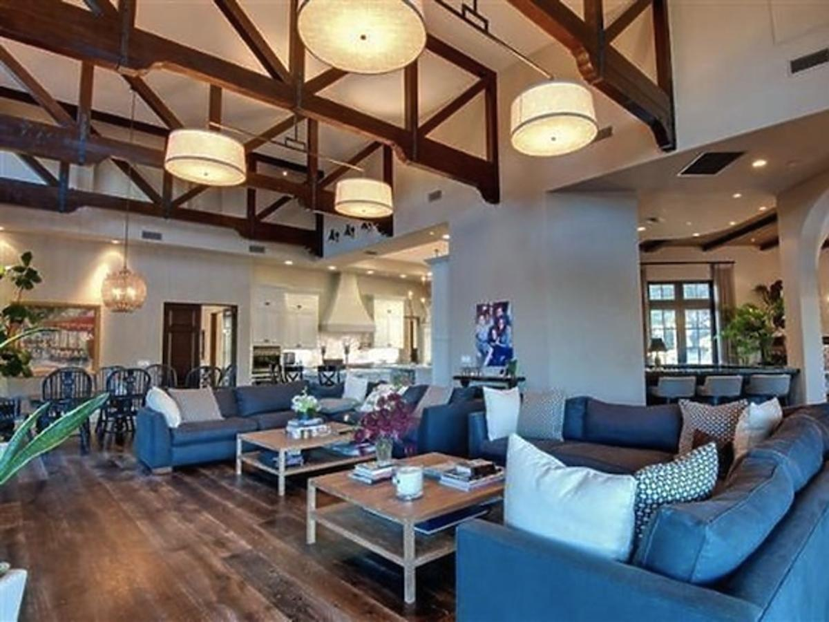 All-ONS_1437076-Britney_Spears_New_Home.jpg