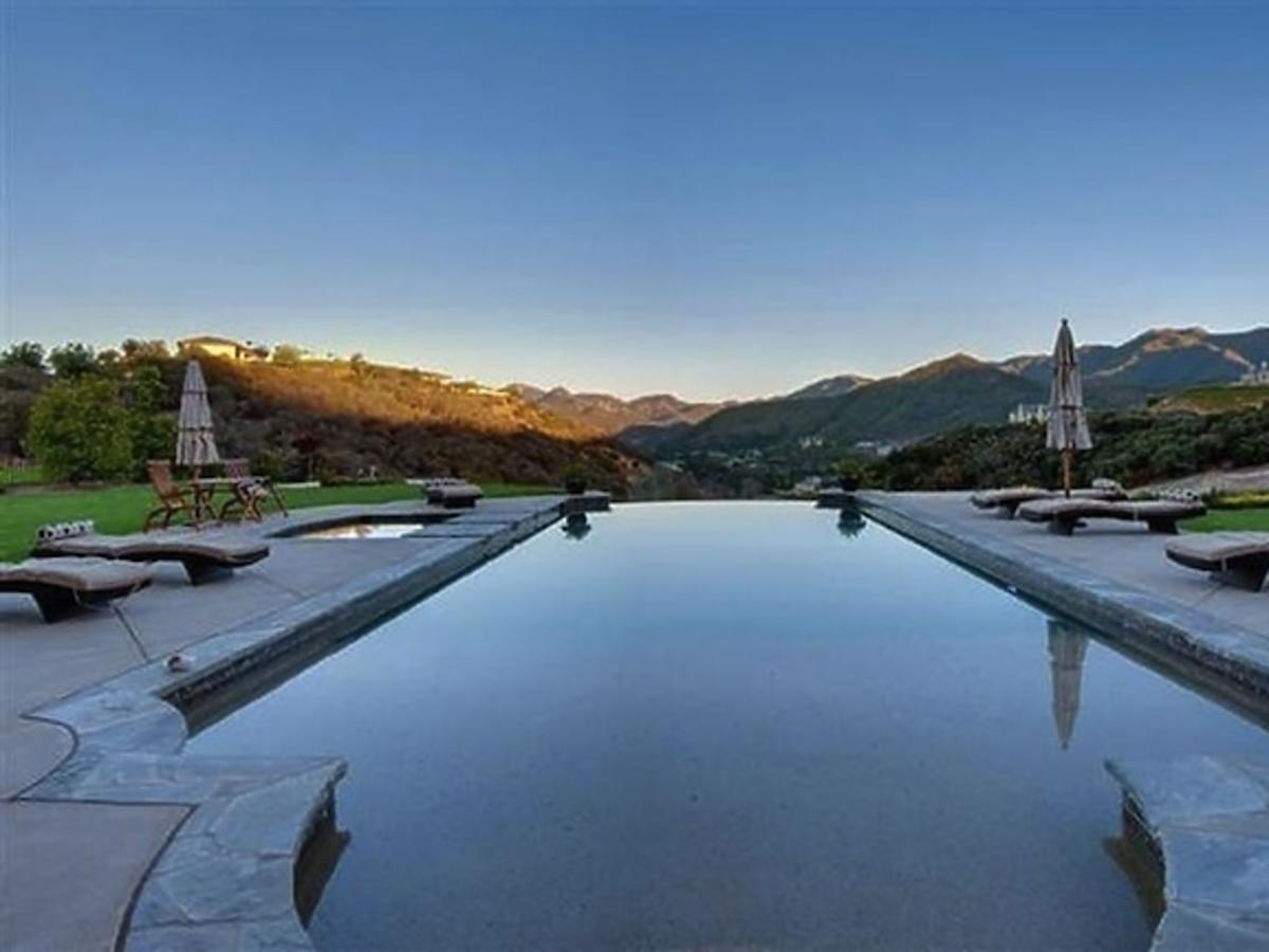 All-ONS_1437105-Britney_Spears_New_Home.jpg