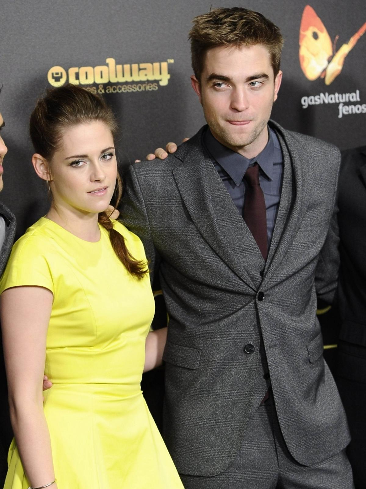 All-ONS_1457153-Kristen_Stewart_Robert_Pattinson.jpg