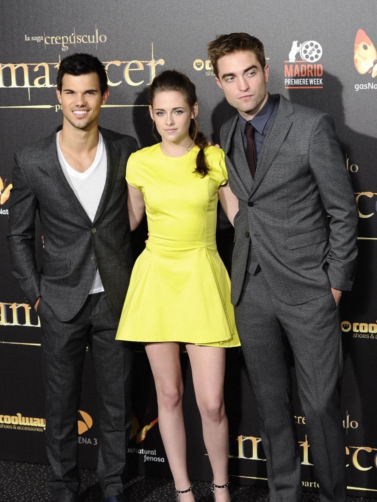 All-ONS_1457171-Taylor_Lautner_Kristen_Stewart_Robert_Pattinson.jpg