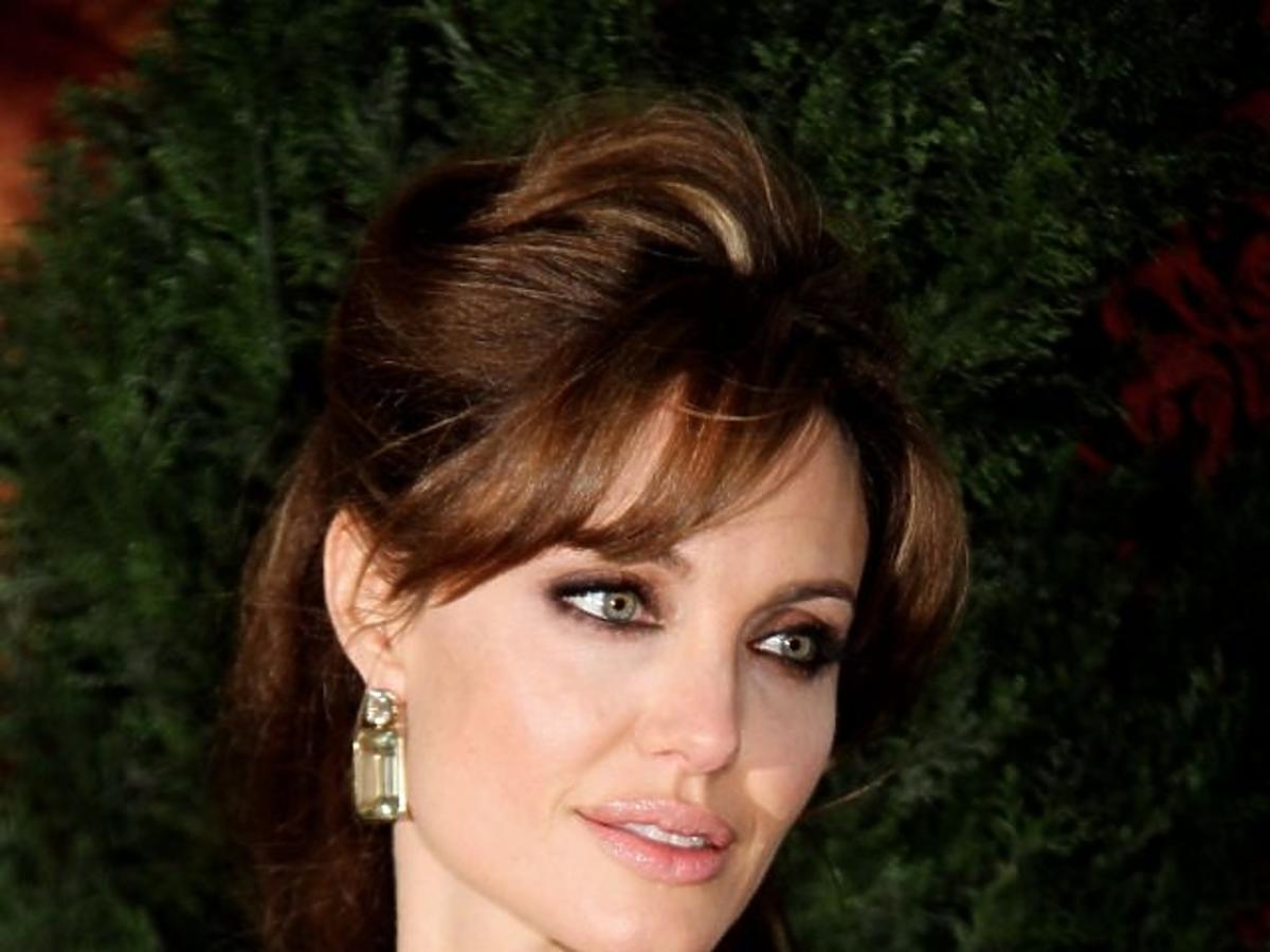 ALLONS_1030379_Angelina Jolie 12.jpg