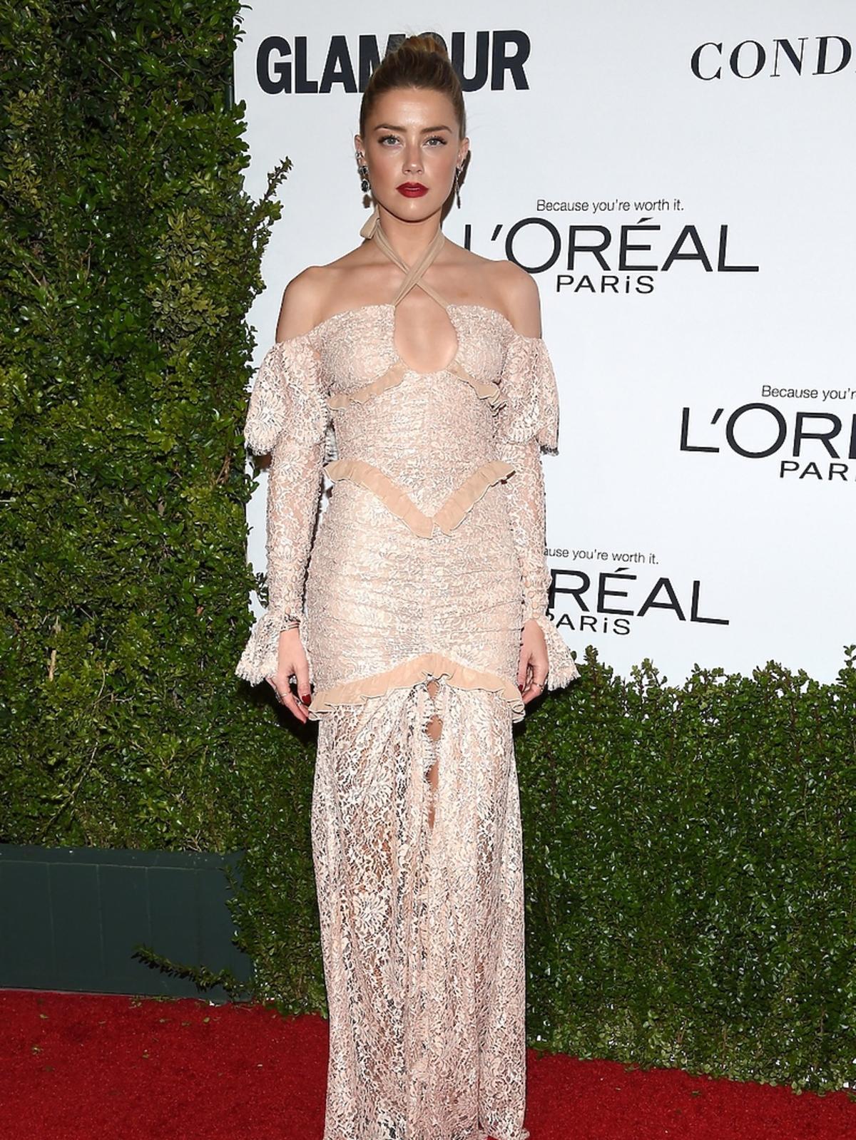 Amber Heard w długiej kreacji na czerwonym dywanie