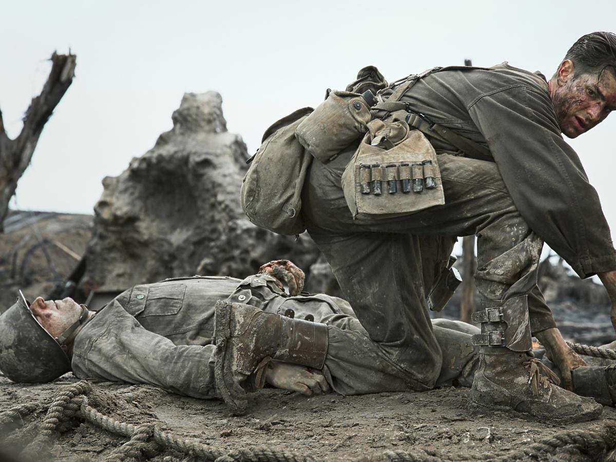 Andrew Garfield w filmie Przełęcz ocalonych