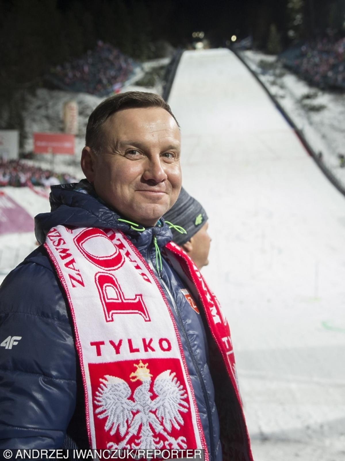 Andrzej Duda kibicuje skoczkom narciarskim