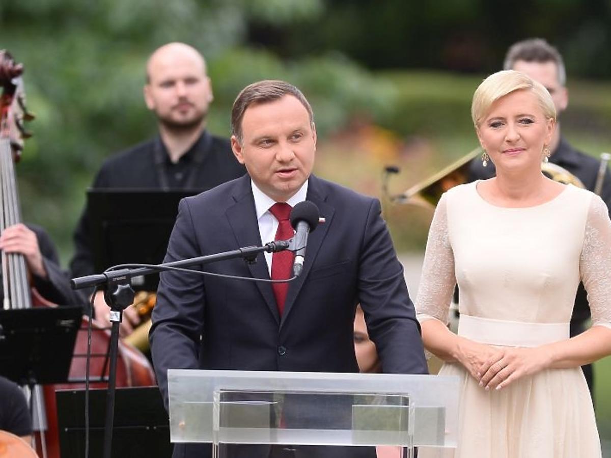 Andrzej i Agata Dudowie podczas akcji Narodowe Czytanie