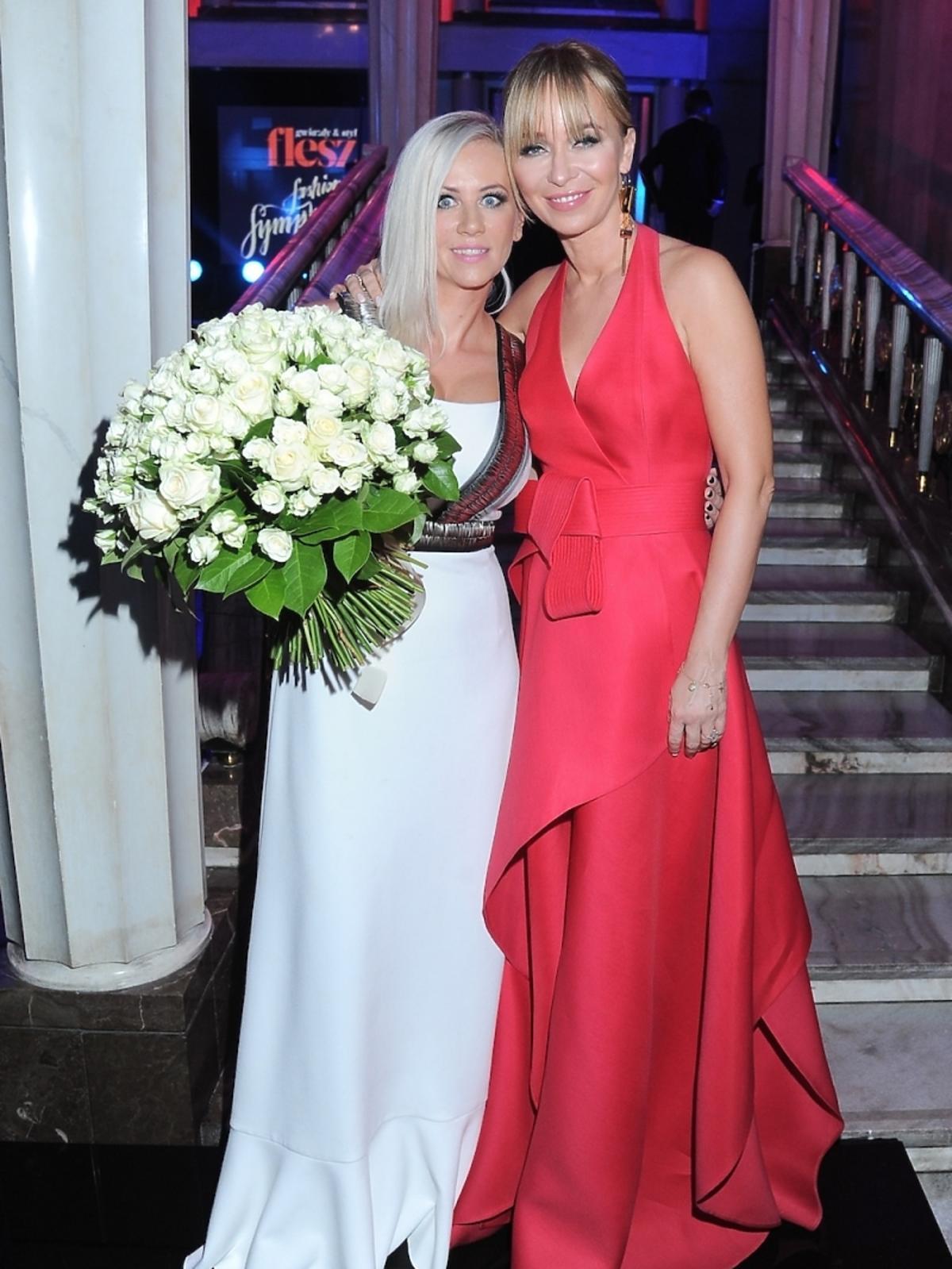 Aneta Wikariak (redaktor naczelna Flesz i Party) i Joanna Przetakiewicz na Flesz Fashion Night Symphony 2014