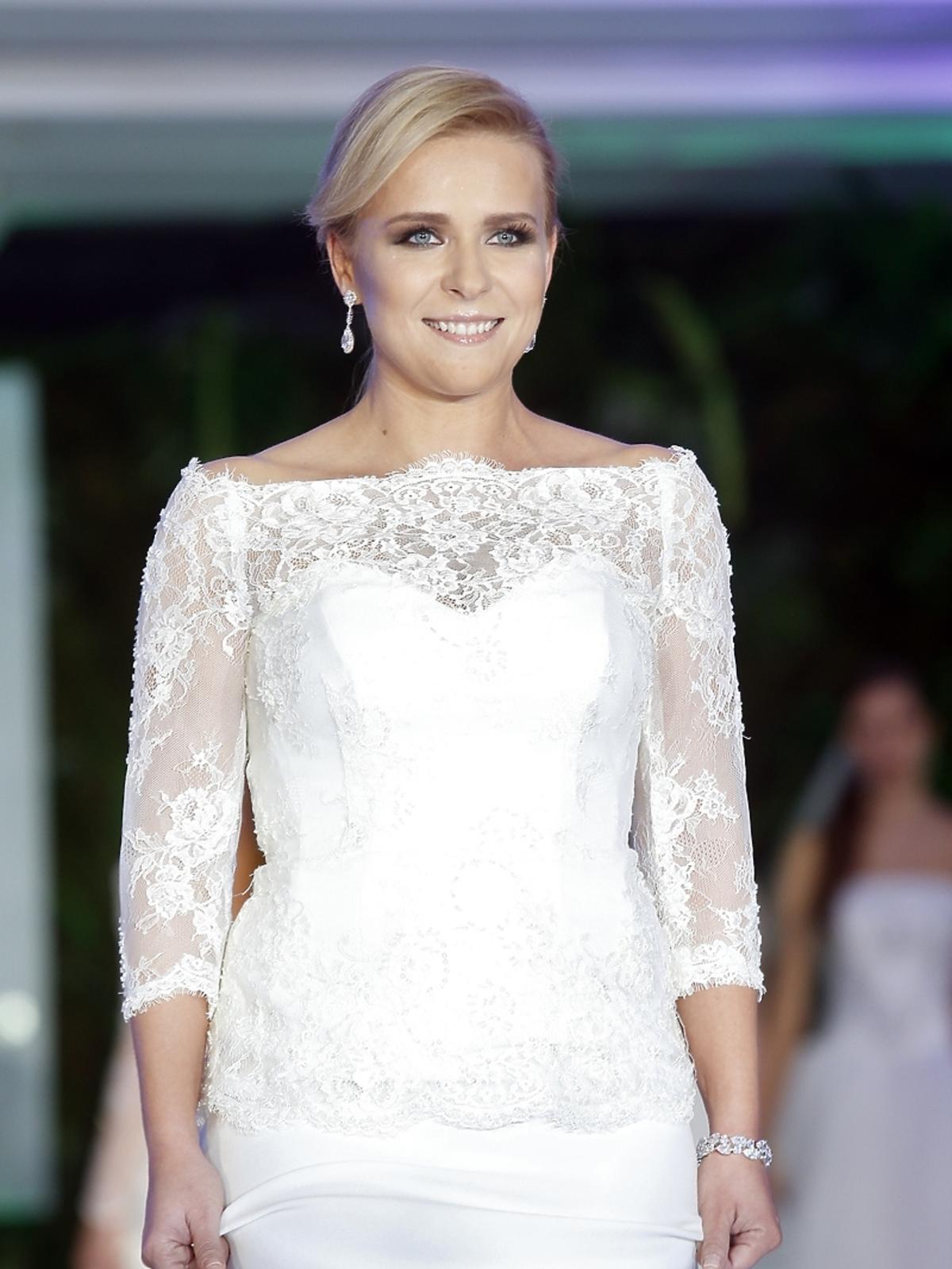 Aneta Zając na pokazie Violi Piekut podczas Wedding Show