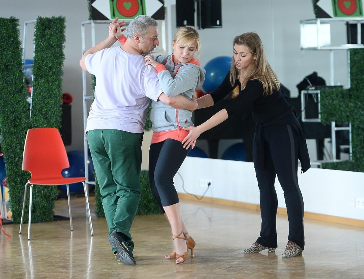 Aneta Zając trenuje z Agnieszką Kaczorowską w studiu tańca