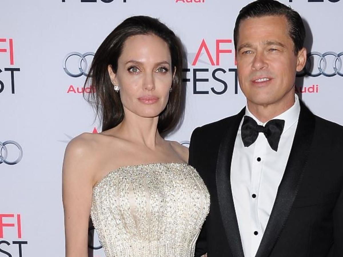 Angelina Jolie w beżowej sukience