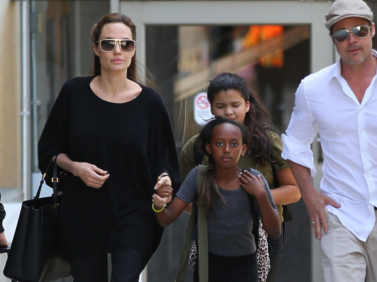 Angelina Jolie w okularach