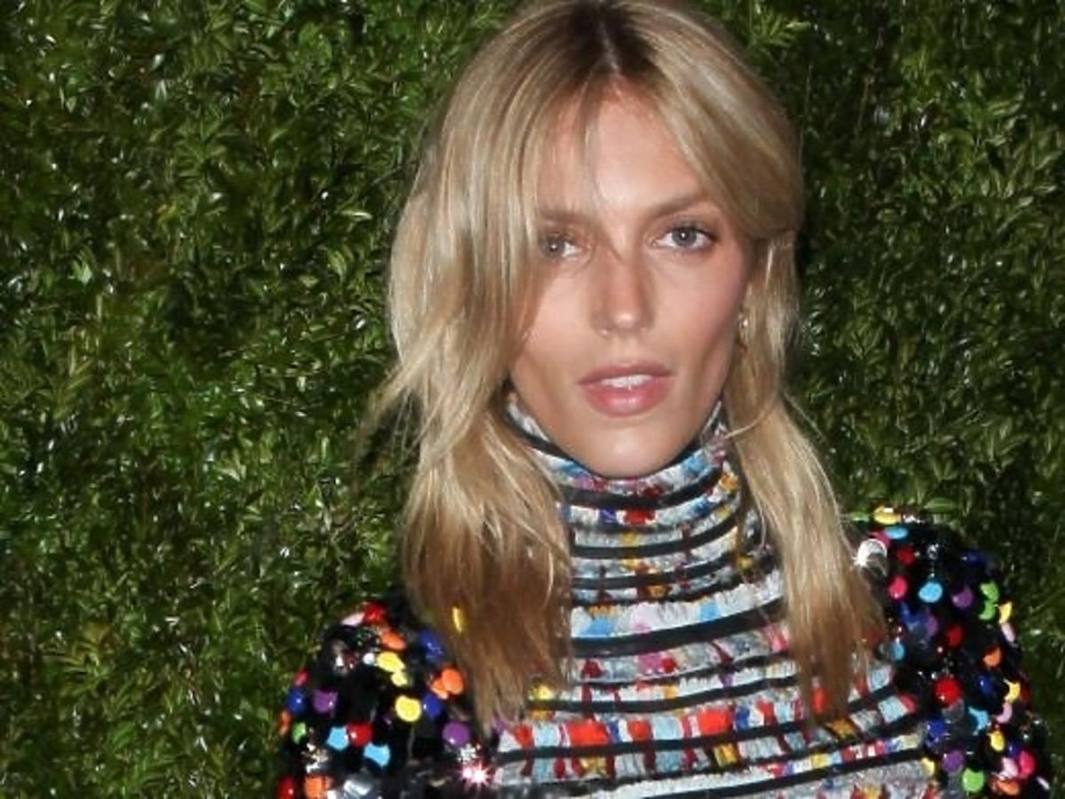 Anja Rubik na obiedzie zorganizowanym przez dom mody Chanel