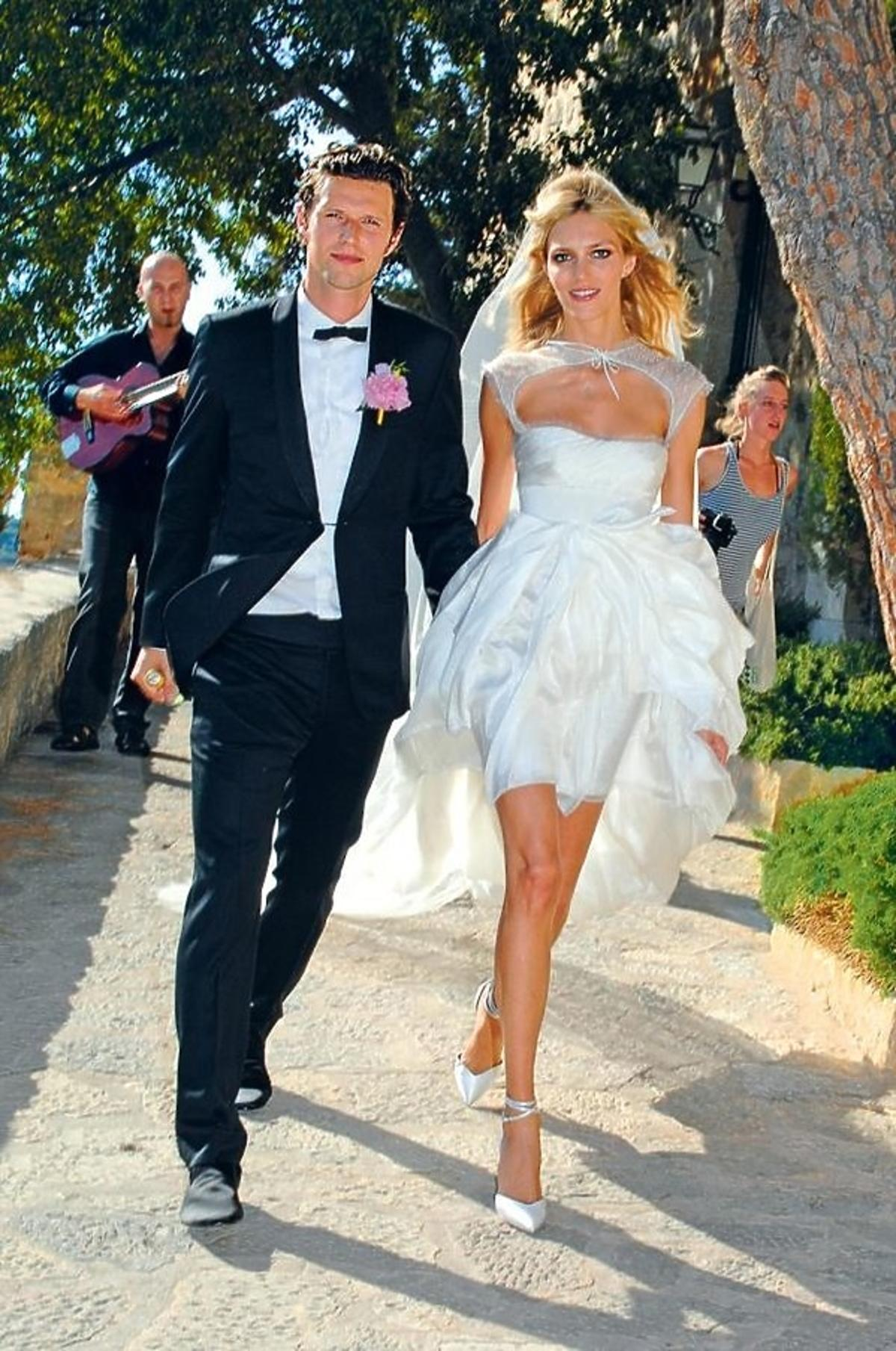 Anja Rubik w sukni ślubnej