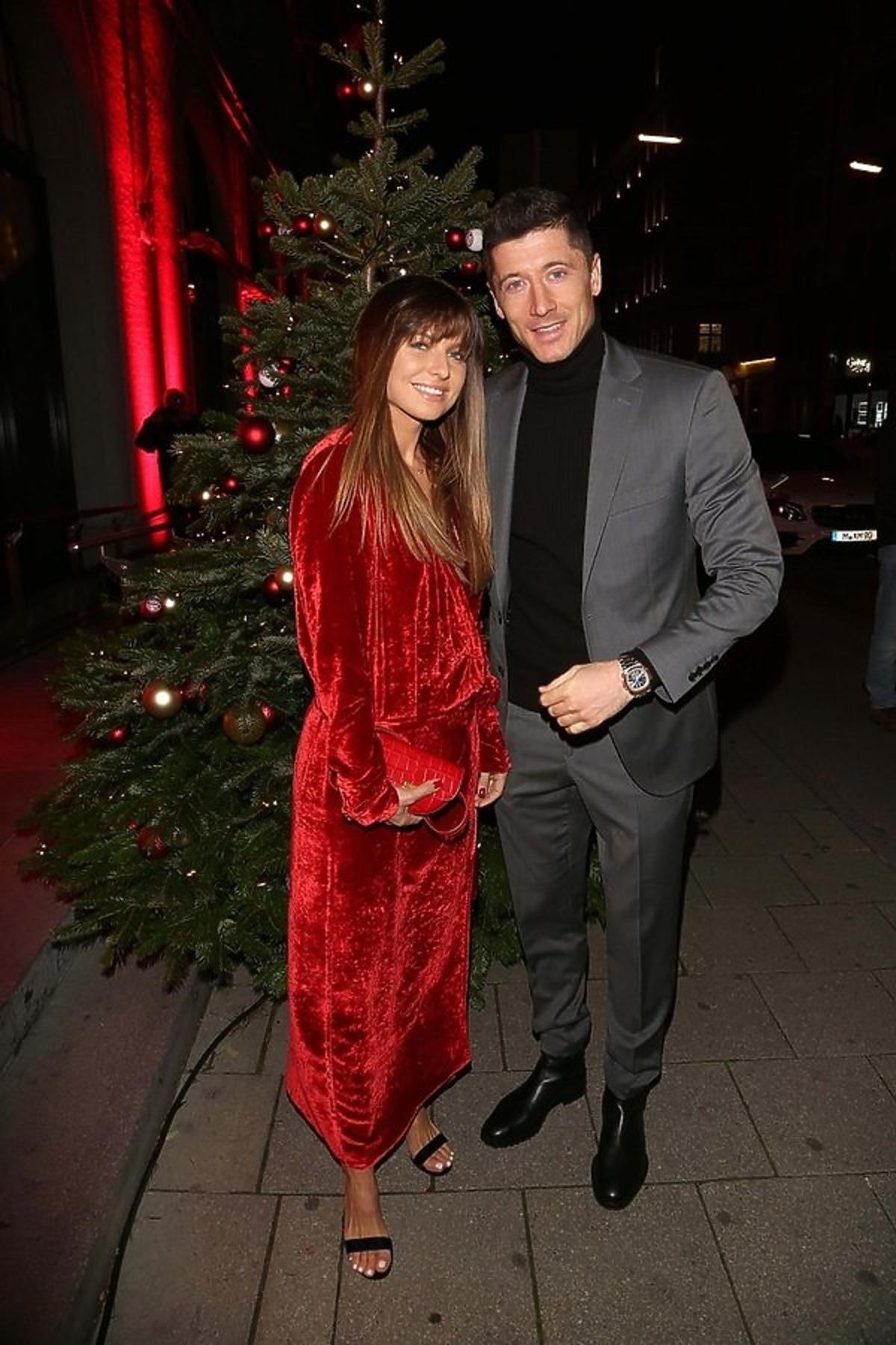Anna i Robert Lewandowscy na świątecznej imprezie