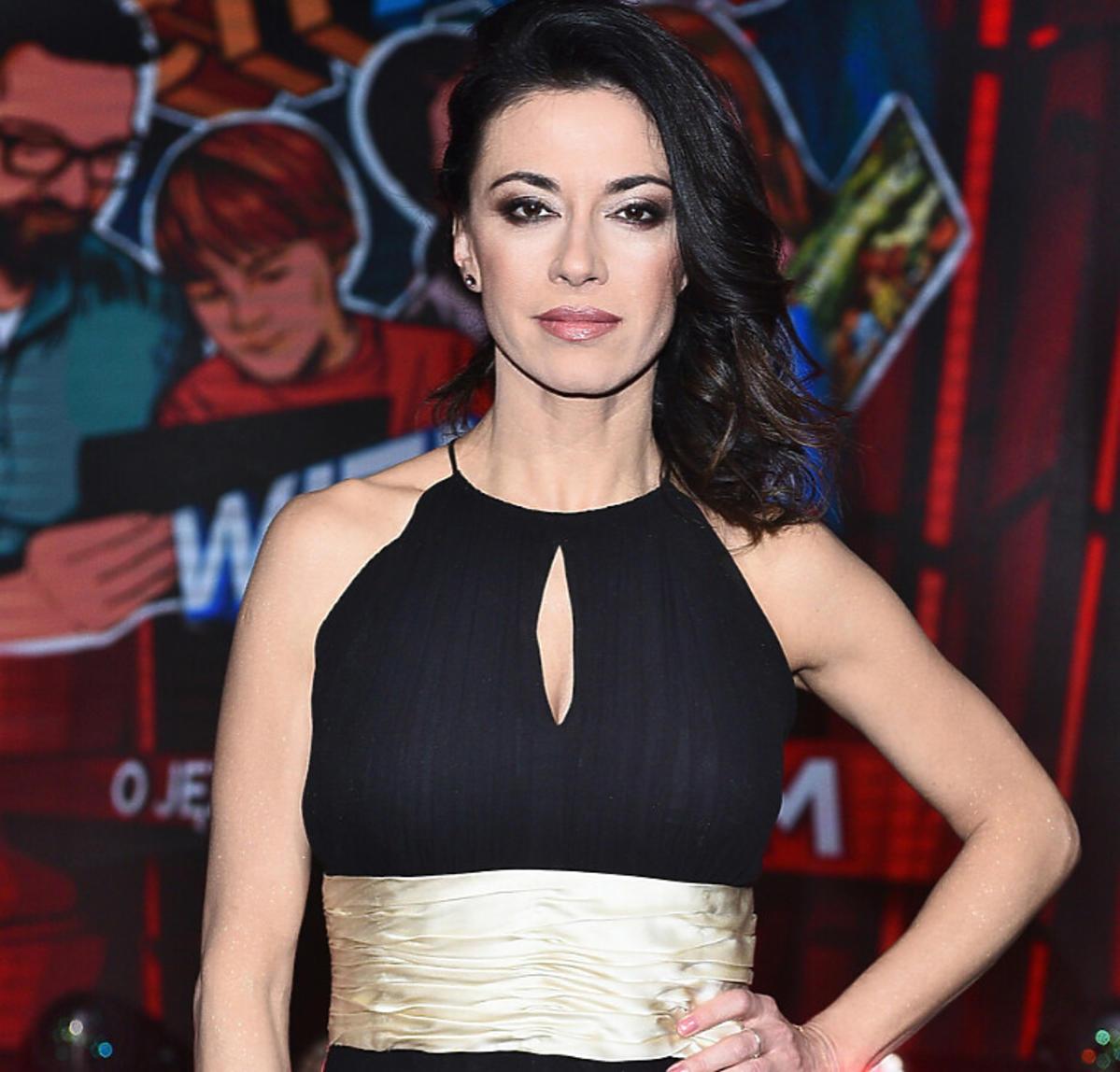 Anna Iberszer w czarnej sukience