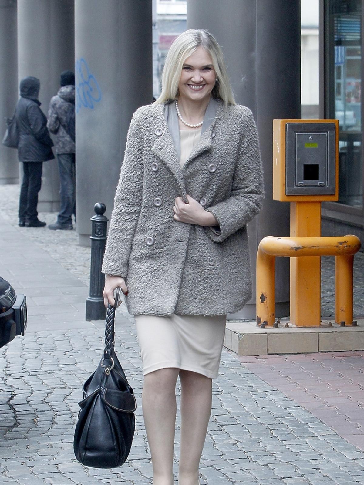 Anna Kalata przed studiem Dzień Dobry TVN