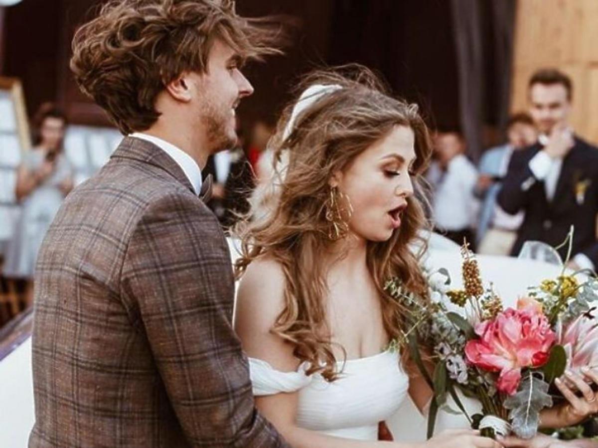 Anna Karczmarczyk w sukni ślubnej