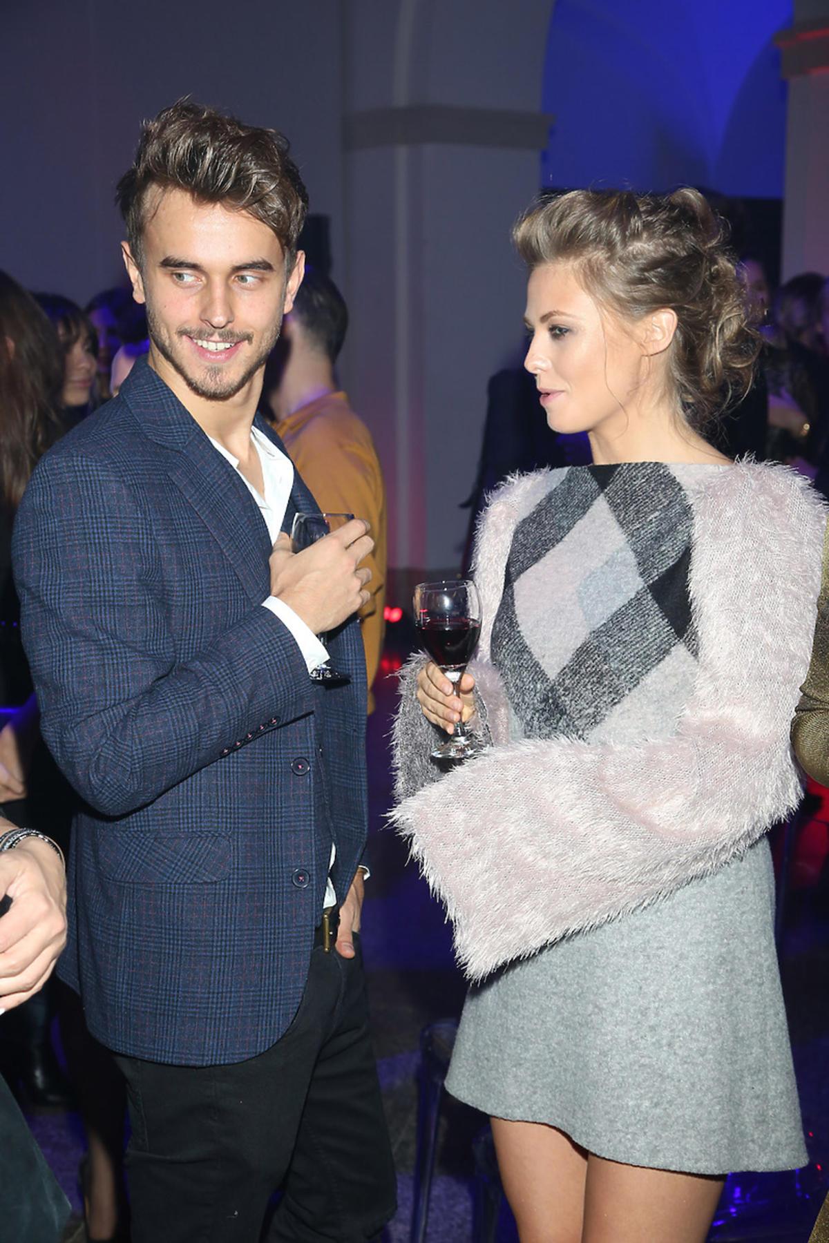Anna Karczmarczyk z chłopakiem na imprezie