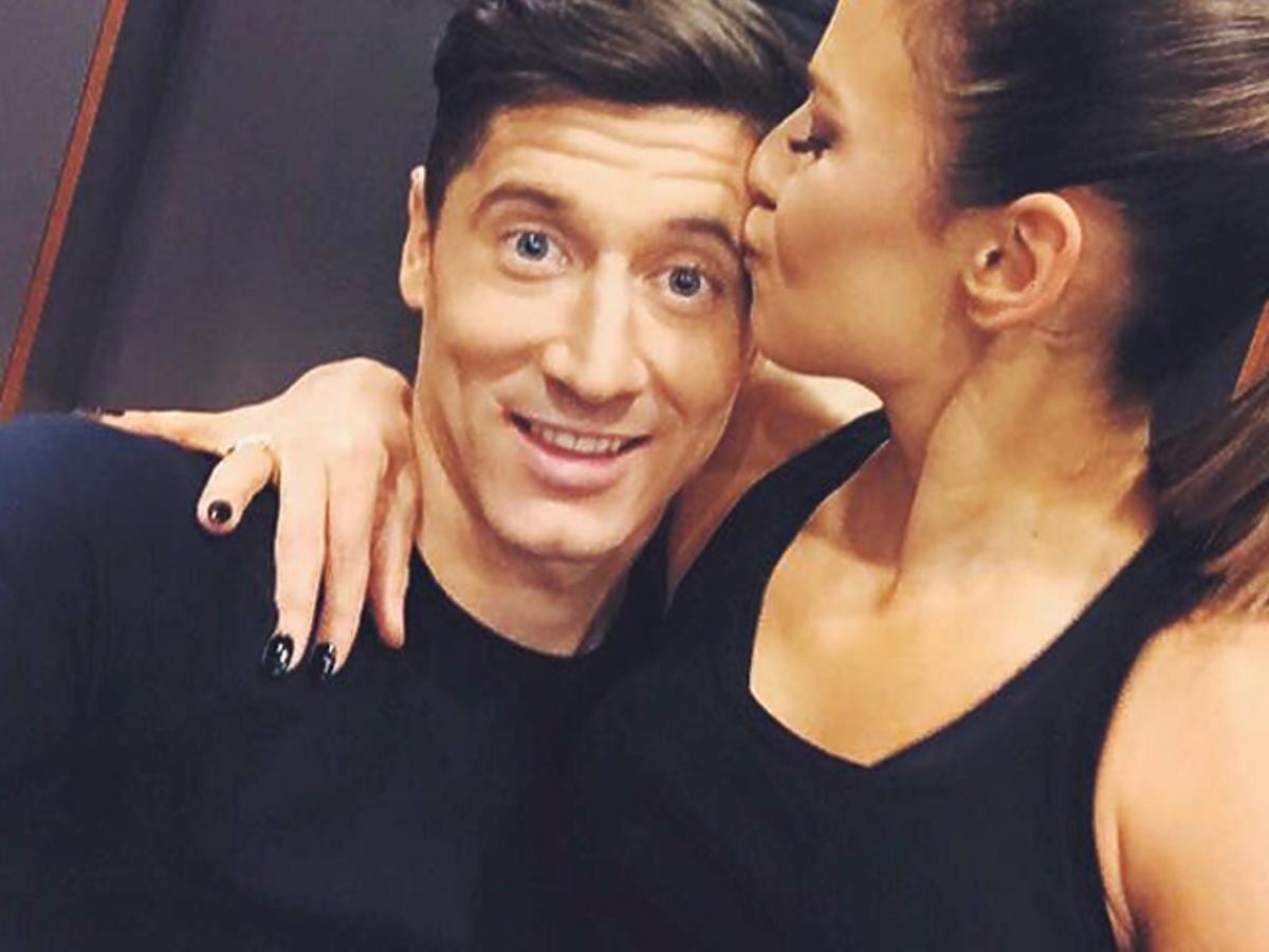 Anna Lewandowska całuje Roberta