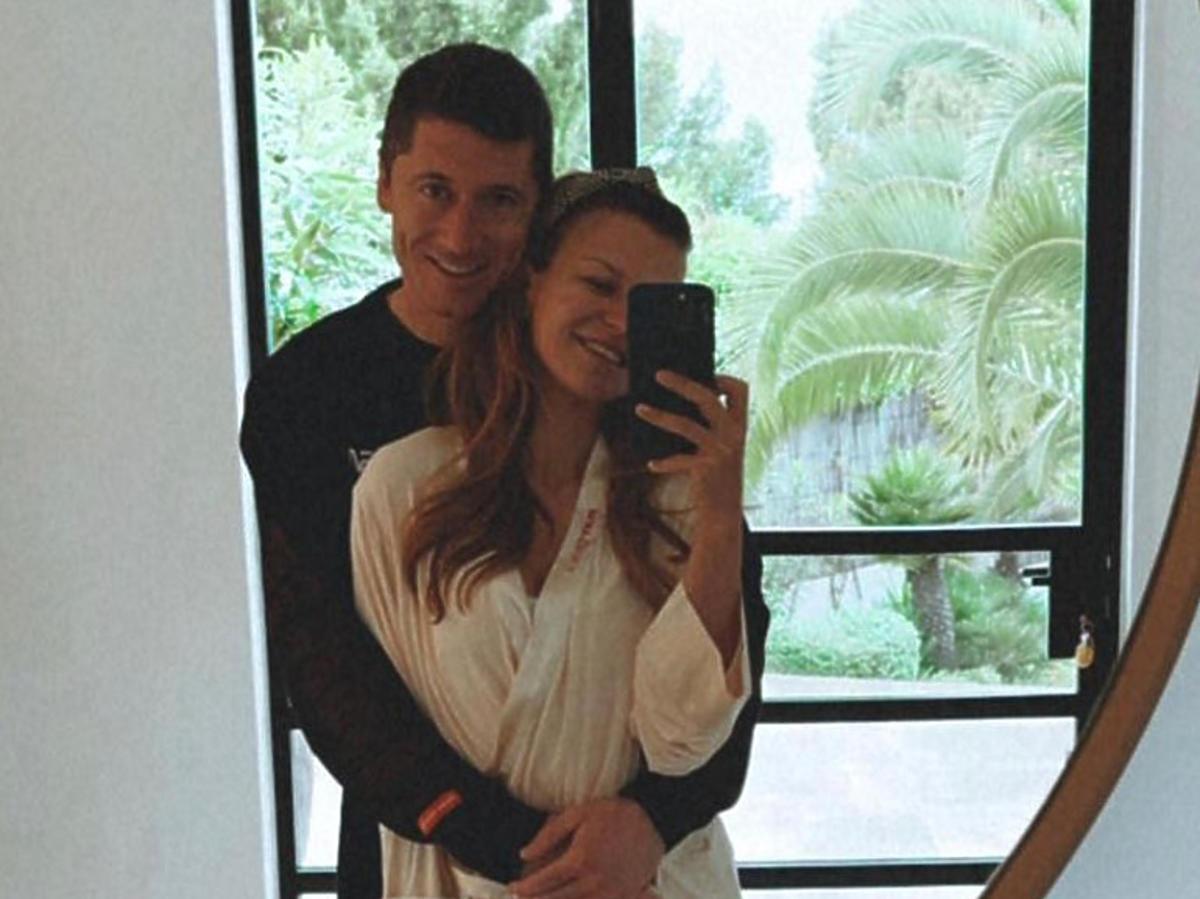 """Anna Lewandowska chwali się rodzinną majówką w Hiszpanii, ale wszyscy patrzą tylko na Laurę: """"Ślicznotka"""""""