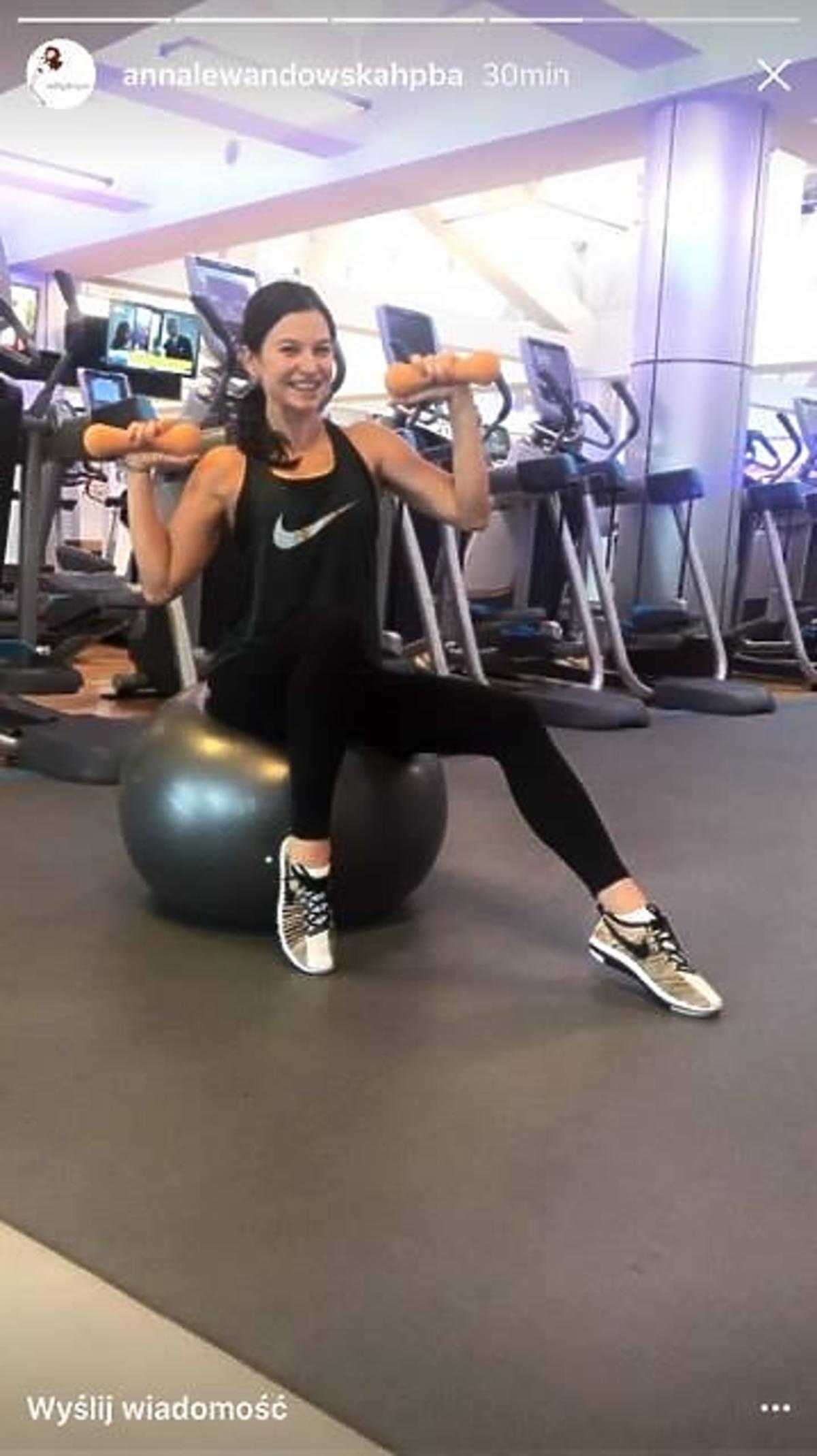 Anna Lewandowska ćwiczy w ciąży
