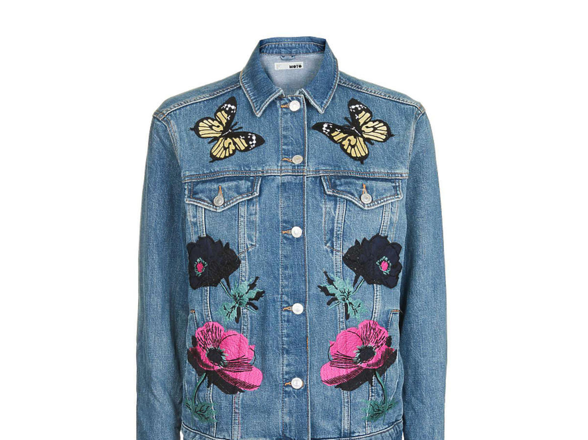 Dżinsowa kurtka z haftami w kwiaty i motyle Topshop, cena: ok. 330 zł