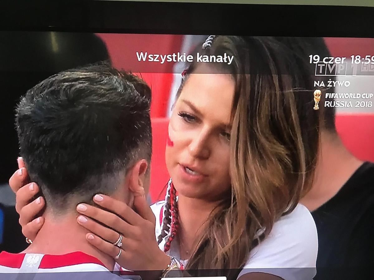 Anna Lewandowska pociesza Roberta Lewandowskiego