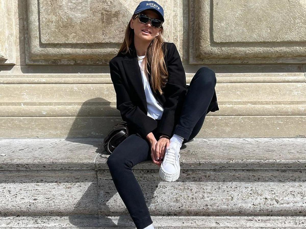 Anna Lewandowska w białych sneakersach Prada za 2500 zł