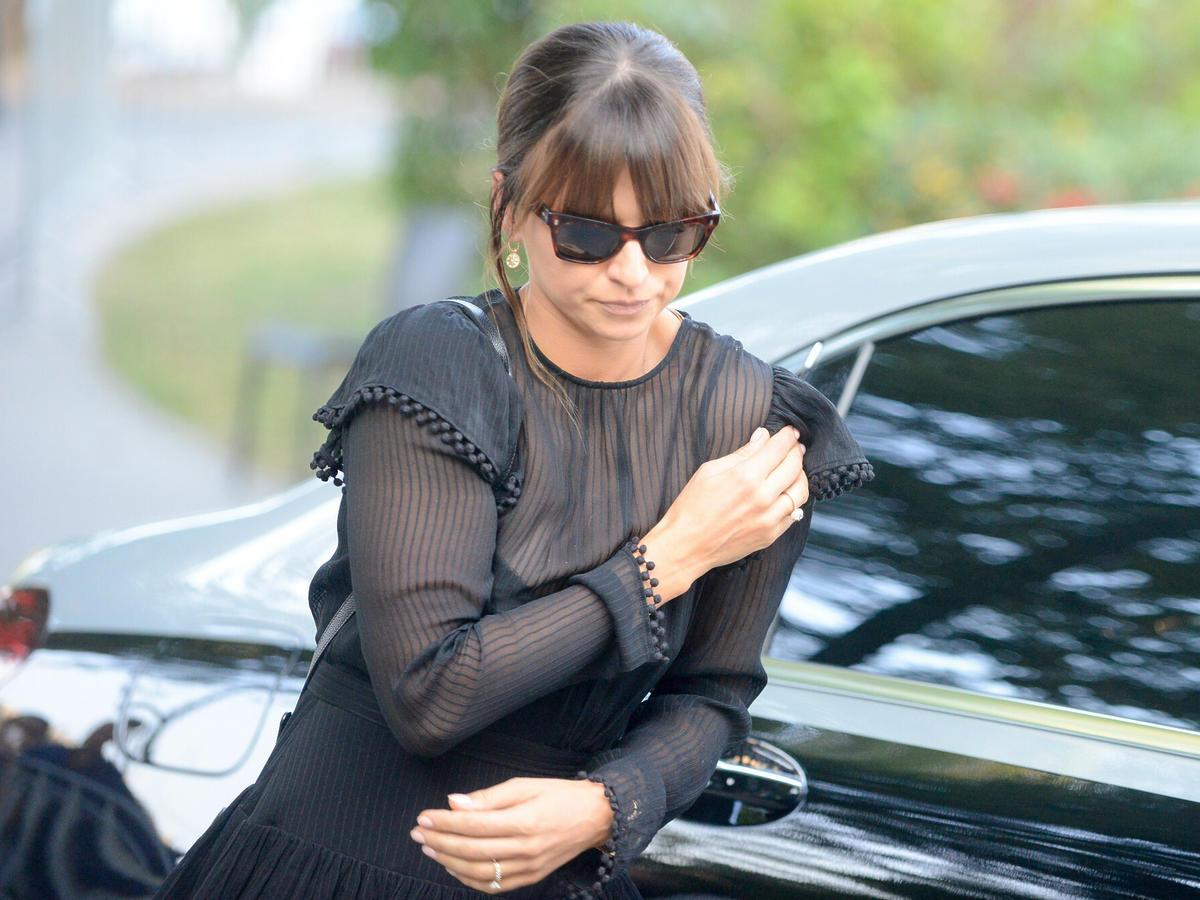 Anna Lewandowska w czarnej stylizacji