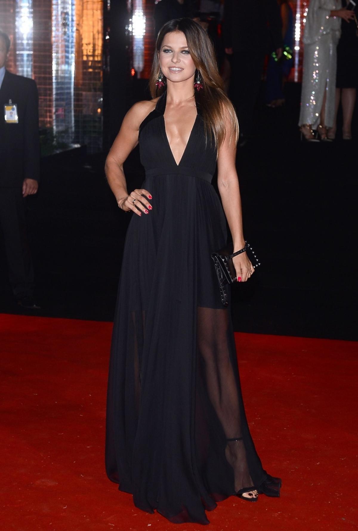 Anna Lewandowska w czarnej sukni