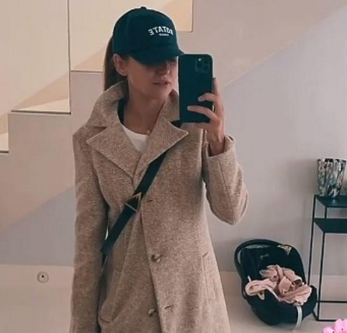 Anna Lewandowska w hitowym płaszczu na wiosnę