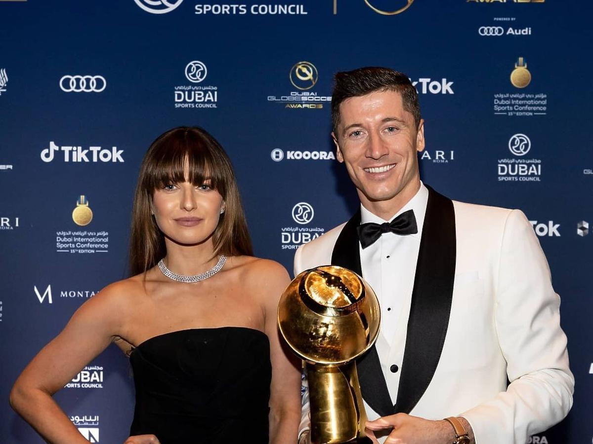 """Anna Lewandowska w obłędnej kreacji na gali """"Globe Soccer Awards"""". Przebiła ukochaną Christiano Ronaldo?"""