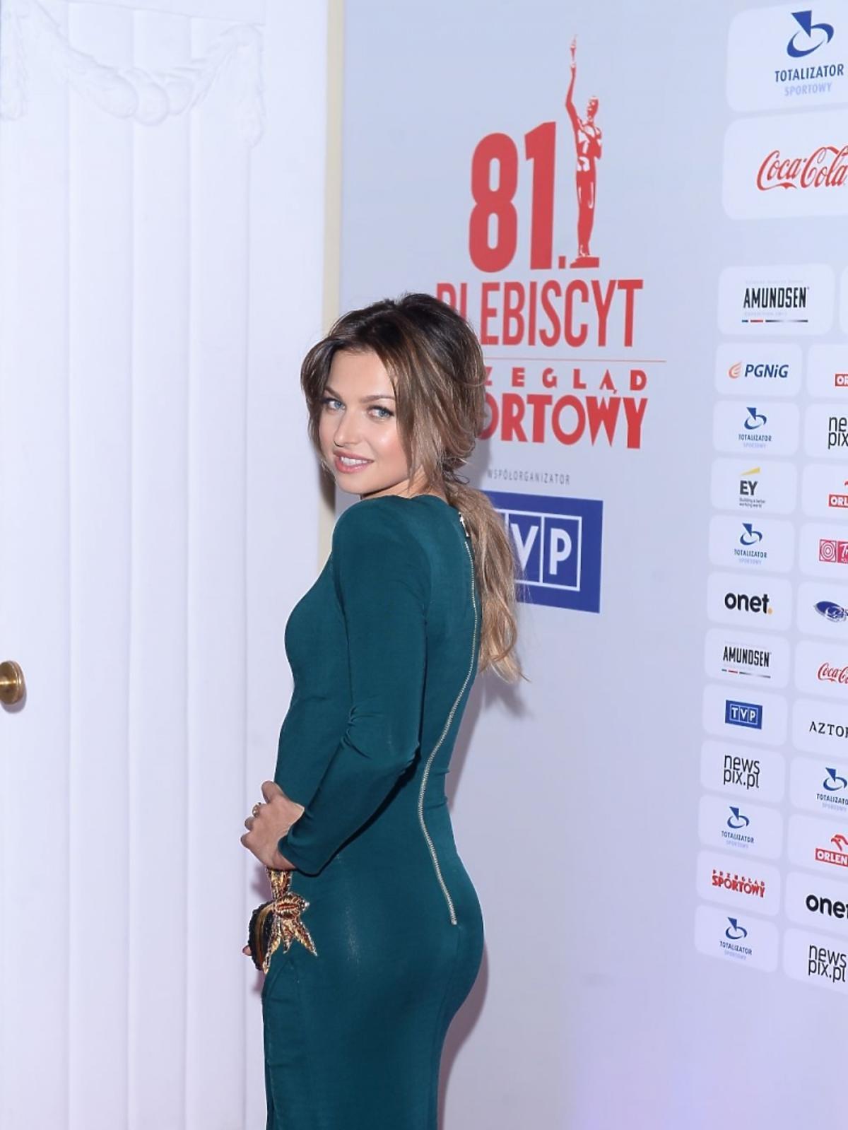 Anna Lewandowska w szmaragdowej sukni
