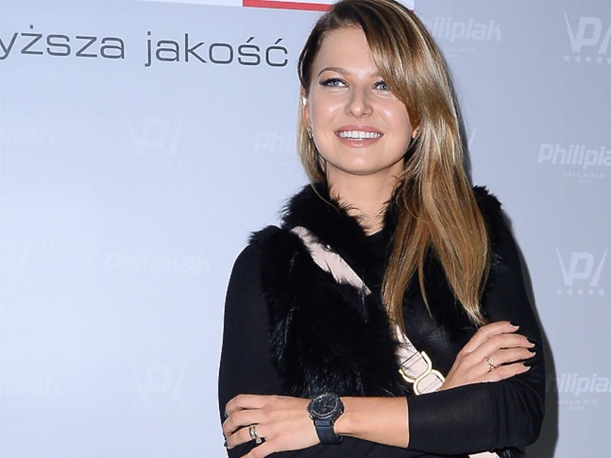 Anna Lewandowska w zielonej bluzce