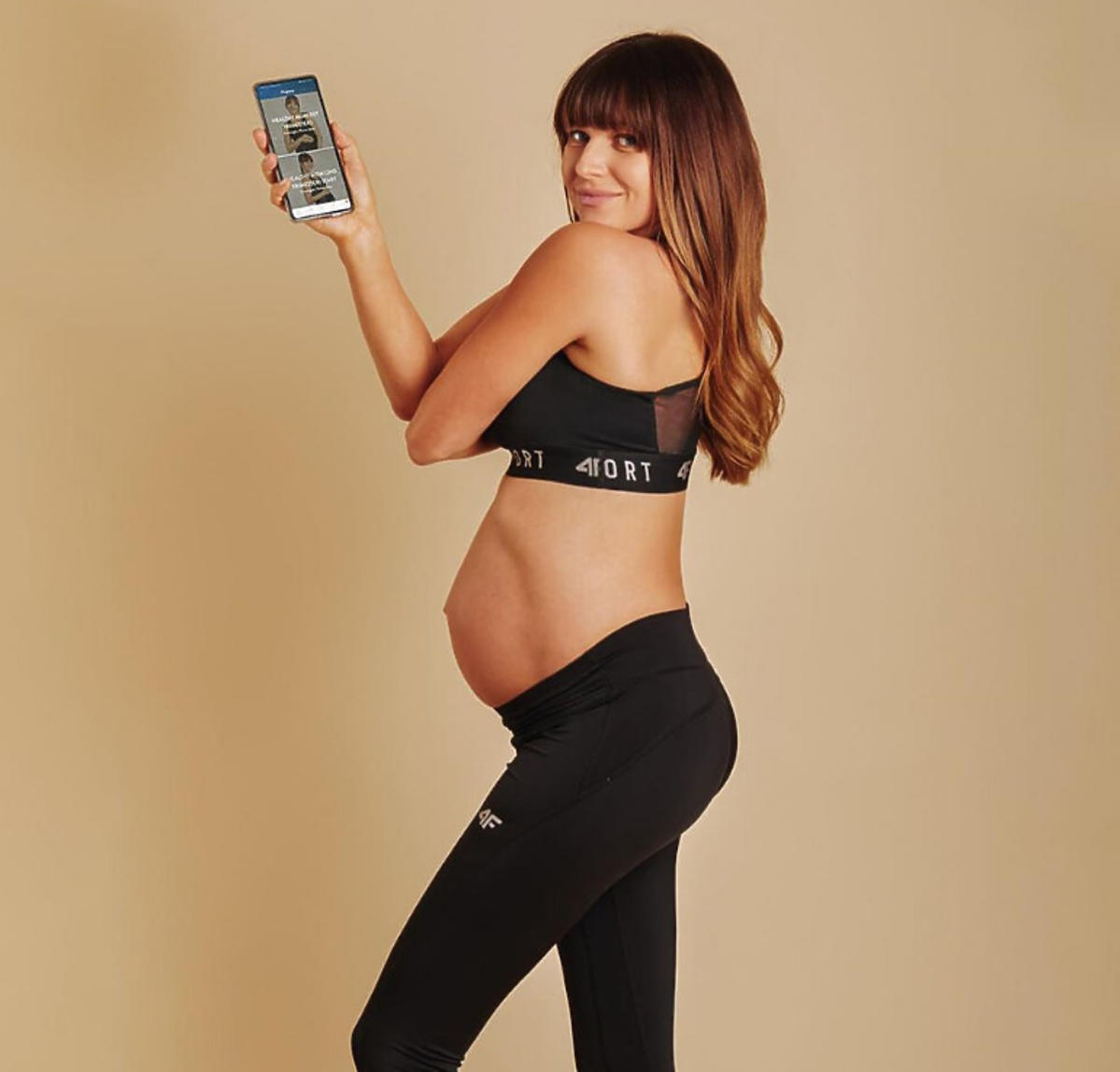 Anna Lewandowska z ciążowym brzuszkiem