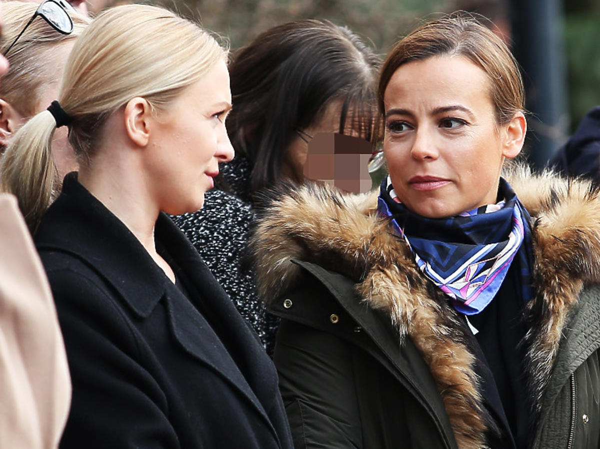 Anna Mucha i Basia Kurdej-Szatan na pogrzebie Pawła Królikowskiego