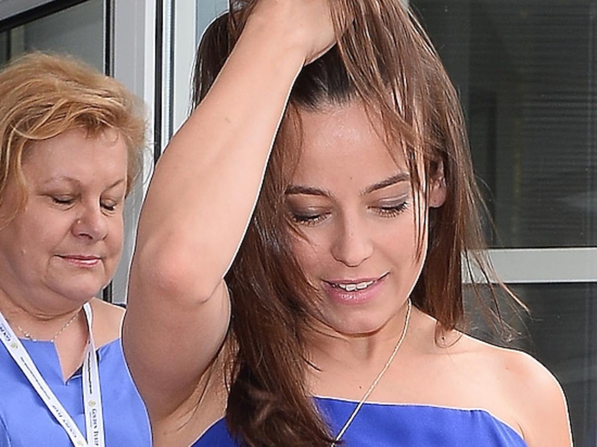 Anna Mucha na festiwalu w międzyzdrojach. nogi Anny Muchy