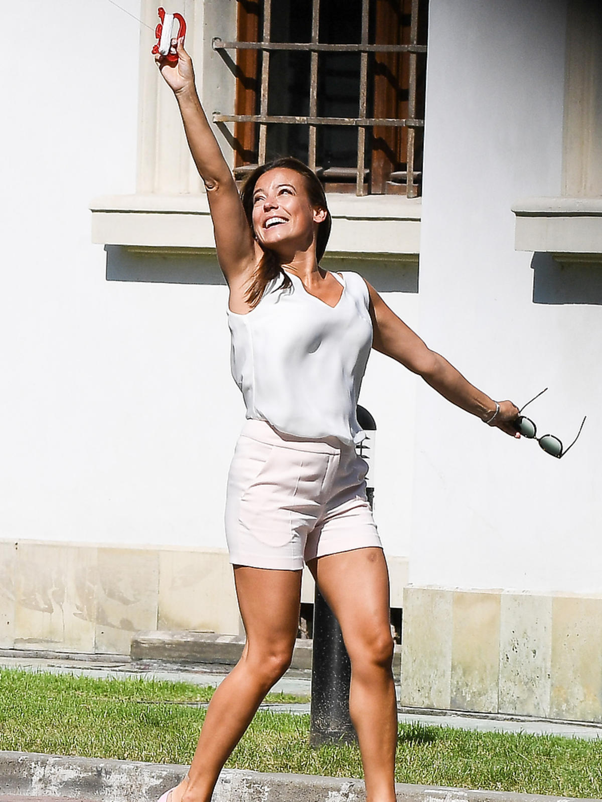 Anna Mucha w sandałkach Gianvito Rossi