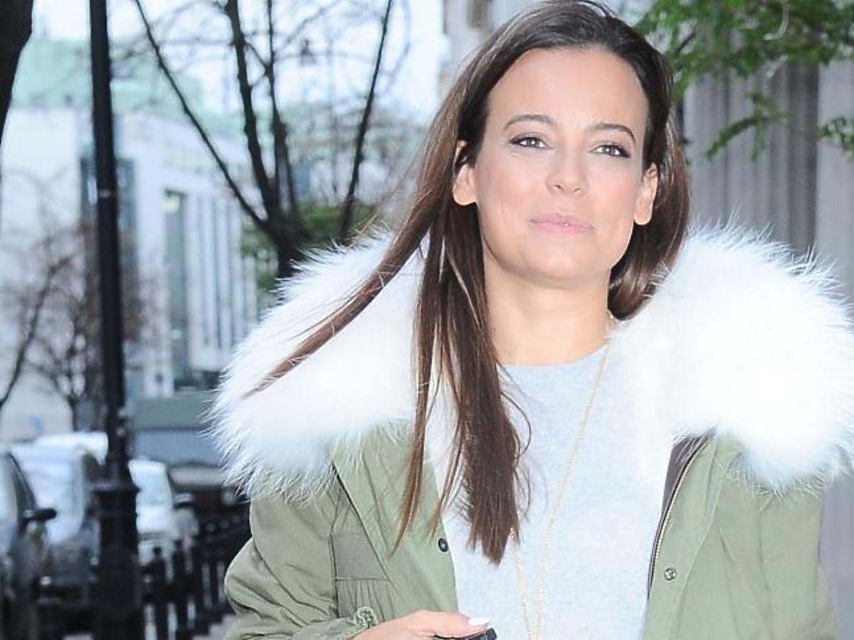 Anna Mucha w zimowej kurtce