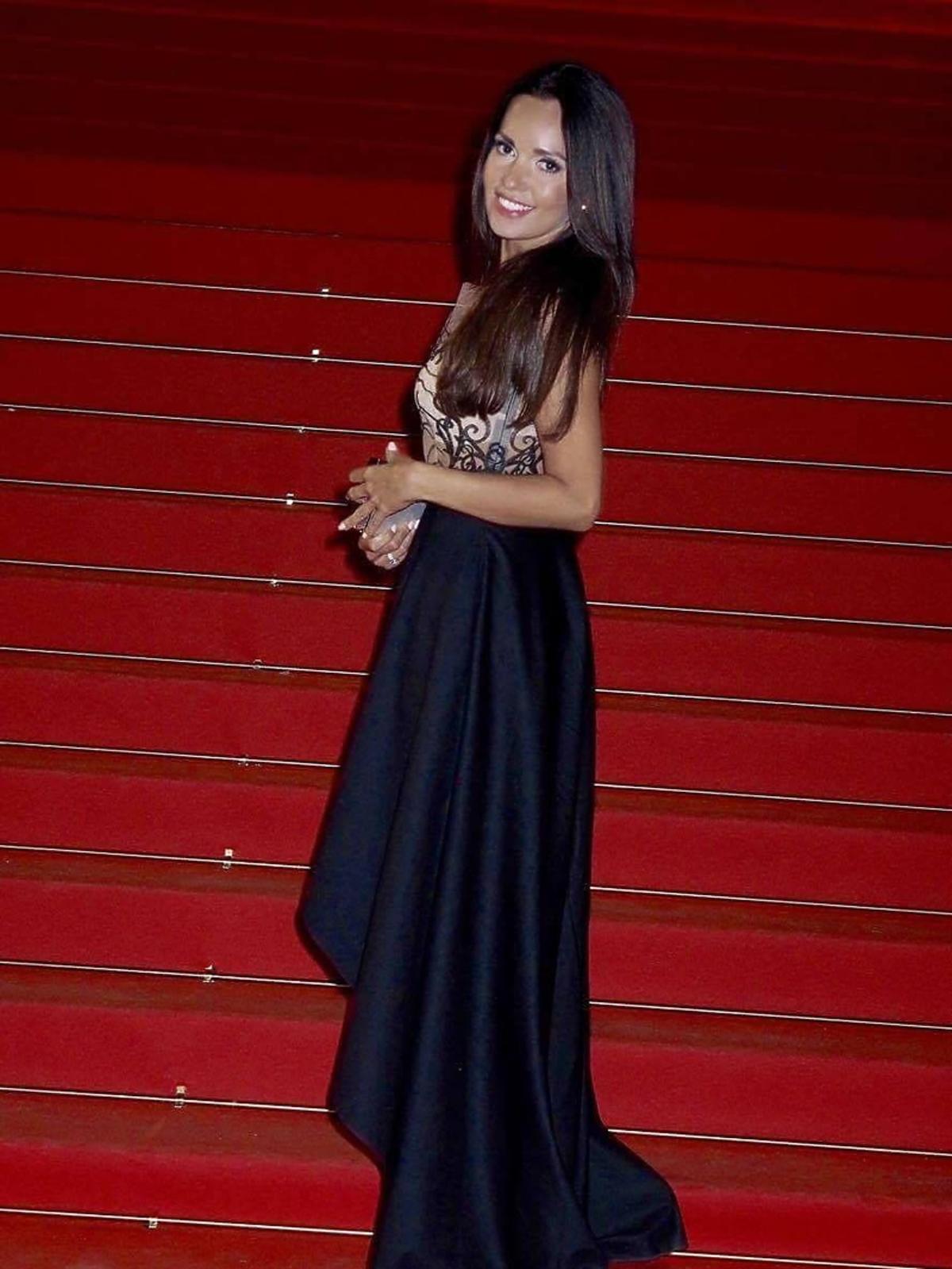 Anna Prus w czarnej sukni