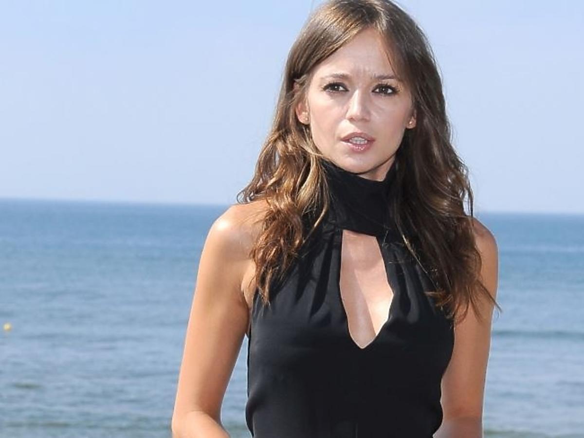 Anna Przybylska w czarnej sukience