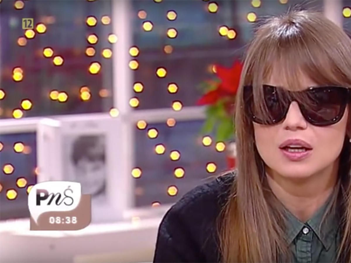 Anna Przybylska w Pytaniu na śniadanie w okularach przeciwsłonecznych
