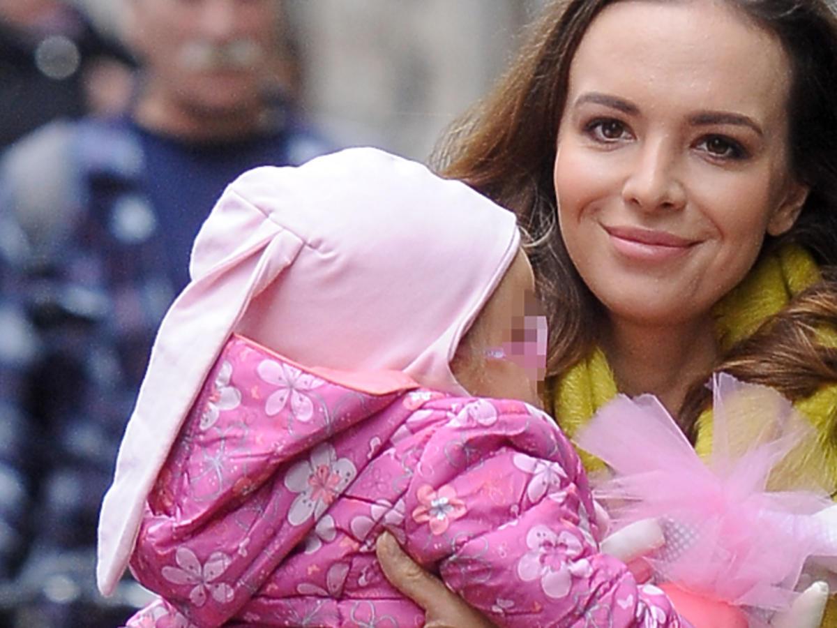 Anna Wendzikowska z córeczką Kornelią