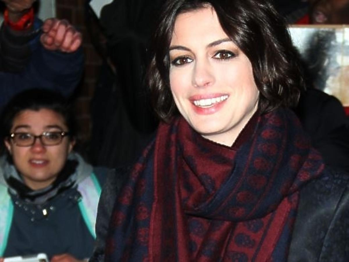 Anne Hathaway dba o swoich fanów