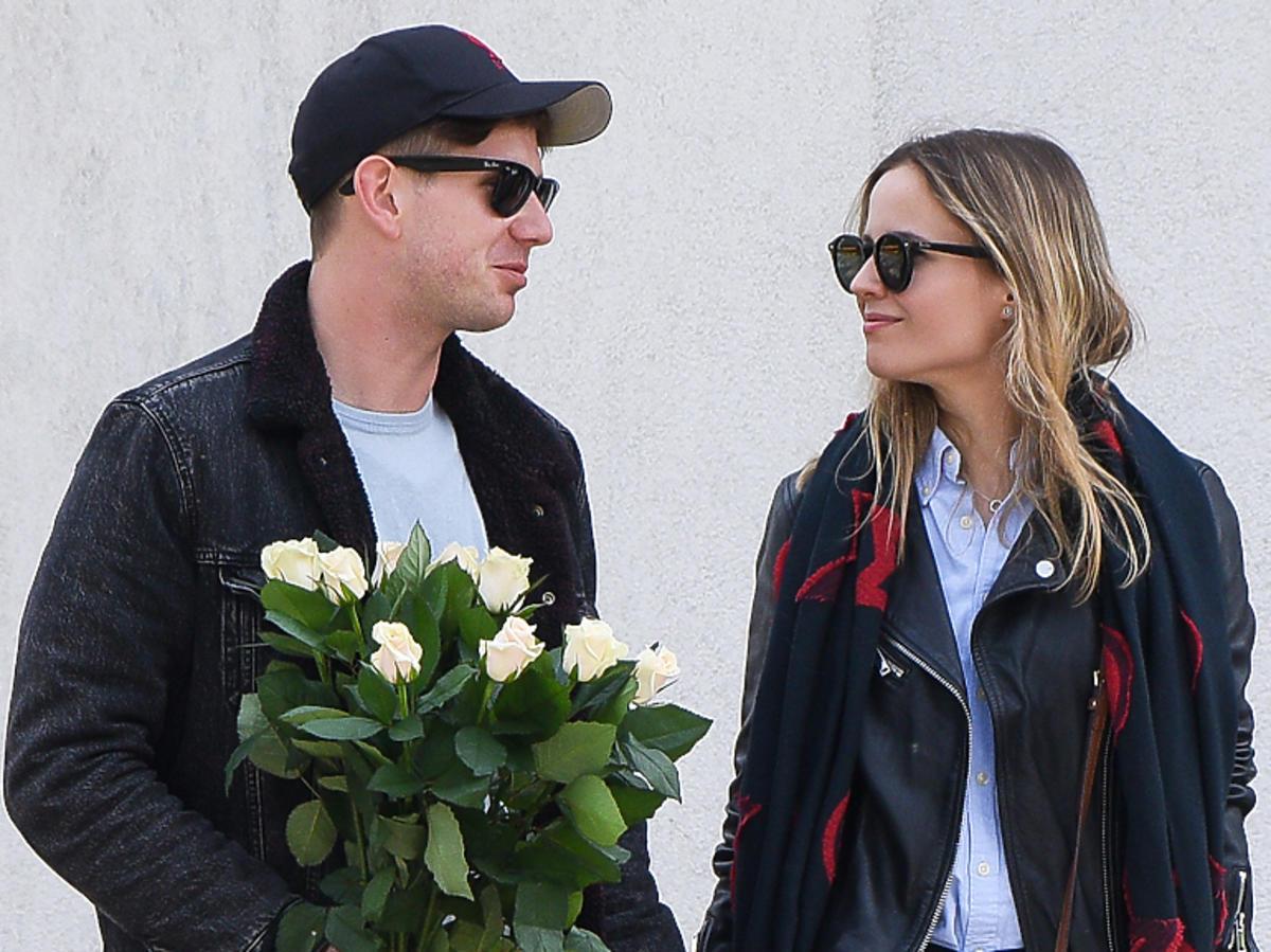 Antoni Królikowski kupił dziewczynie kwiaty