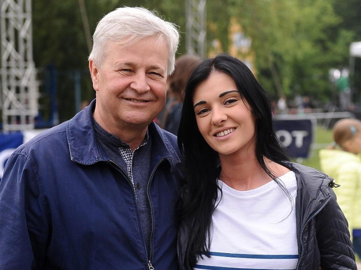 Apoloniusz Tajner z partnerką, Izabelą Podolec