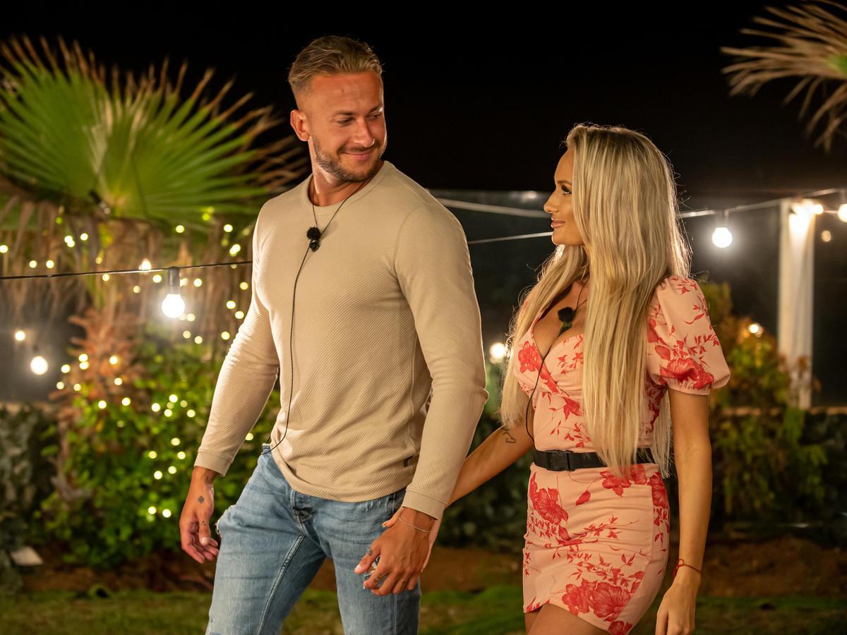 Arek i Aleksandra z Love Island 4 idą za rękę